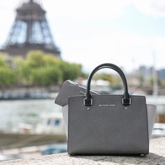 Gray for days. #JetSetSelma