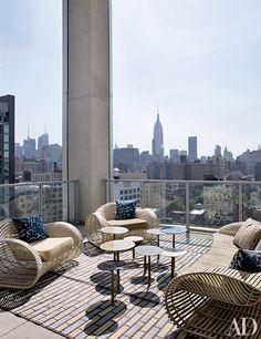 Jean-Louis Deniot - Terrace - Manhattan penthouse via Architectural Digest New York Penthouse, Luxury Penthouse, Manhattan Penthouse, Rooftop Design, Terrace Design, Rooftop Decor, Rooftop Lounge, Rooftop Terrace, Architectural Digest