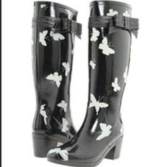 4cf8927db749 Kate spade butterfly rain boots These adorable boots have been worn a bunch  but still have