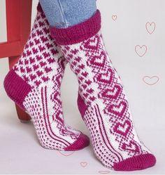 "Вязание. Жаккард - ""Зимняя радуга""   VK Photo Wall, Socks, Fashion, Breien, Moda, Photograph, Fashion Styles, Sock, Stockings"