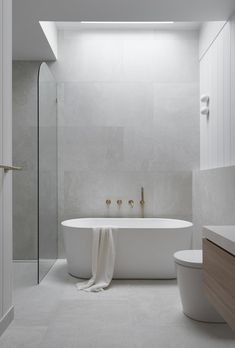 Soft grey tones create a calming Coastal bathroom We used light light grey tiles with VJ wall Panell Minimalist Bathroom Design, Modern Bathroom Design, Bathroom Interior Design, Washroom Design, Best Bathroom Designs, Modern Interior Design, Coastal Bathrooms, Ensuite Bathrooms, Master Bathroom