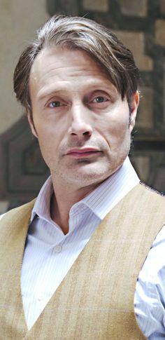 Mads Mikkelsen (The Great Dane) as Hannibal! Mads played this character to the bone! Hannibal Cast, Hannibal Lecter, Hannibal Anthony Hopkins, Hugh Dancy, Mads Mikkelsen, Gary Oldman, Film Serie, Sharp Dressed Man, Michael Fassbender