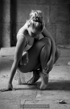 Ballerina | ballet | black and white | shadows