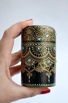 Henna art candle holder centerpiece candlestick ca Diy Bottle, Bottle Art, Bottle Crafts, Mehndi Decor, Henna Kunst, Henna Art, Candlestick Centerpiece, Pottery Painting Designs, Paint Designs