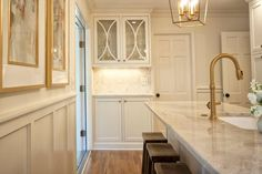 Astounding 11 Best White Kitchen With Antique Brass Hardware Fixtures Home Interior And Landscaping Spoatsignezvosmurscom
