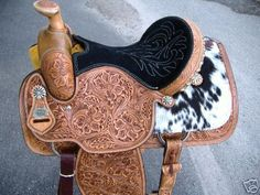 OH. MY. GOSH. PRETTIEST MOST BEAUTIFUL SADDLE EEVVVVEERRRRR. #HorseSadles