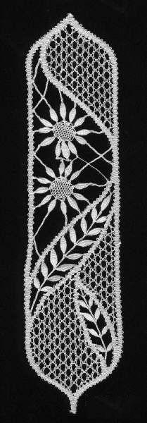 marcapaginas-záložky - heli - Picasa Web Albums - lace making Bobbin Lace Patterns, Macrame Patterns, Craft Patterns, Embroidery Patterns, Crochet Patterns, Irish Crochet, Crochet Lace, Bruges Lace, Romanian Lace