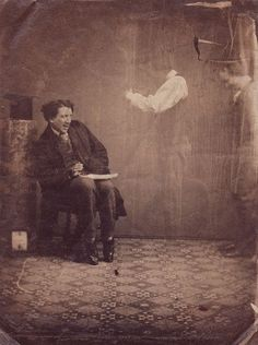 HOW OLD IS THIS PICTURE? Vintage Spirit Photography a hoax using double negative photography.otherwise, it would be very creepy! Ghost Pictures, Old Pictures, Old Photos, Ghost Pics, Vintage Photographs, Vintage Photos, Victorian Photos, Victorian Era, Vintage Items