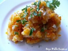 Écrasé pomme de terre carottes citron noisettes coriandre