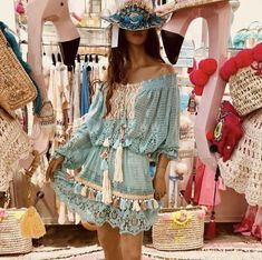 Extraordinary encouraged hippie style home decor Learn Boho Gypsy, Gypsy Style, Bohemian Style, Boho Chic, Hippie Boho, Hippie Style Clothing, Hippie Outfits, Chic Outfits, Fashion Outfits