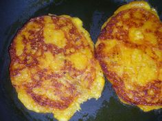 Tatale - savoury ripe plantain pancakes from Ghana Plantain Pancakes, Ripe Plantain, Plantain Fritters, Ghanaian Food, Nigerian Food, Vegetarian Recipes, Cooking Recipes, Healthy Recipes, Delicious Recipes