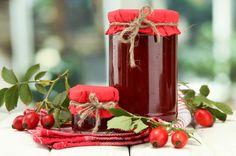 sipkova marmelada vyroba recept postup navod priprava suroviny ingredience slozeni Chutney, Superfood, Dieta Detox, Edible Flowers, Gingerbread, Berries, Food And Drink, Herbs, Sweets