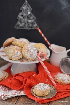 biscotti ripieni di cioccolato fondente, datteri, amaretti e noci