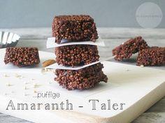 Plop... puffige Amaranth Taler... eine süße Schlemmerei die auch noch wirklich gesund ist. Nur gute Zutaten: Amaranth, Mandeln, Kokosöl, Kakaonibs....