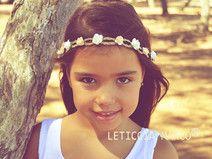 Tiara corona flores blanco beige niña