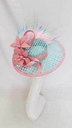 Custom and read to wear fascinators, hats and headwear Facinator Hats, Fascinator, Wedding Hats, Headpiece Wedding, African Accessories, Bridal Accessories, Tea Party Hats, Women's Belts, Boater Hat