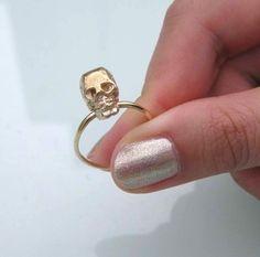 Skull Ring, do you guys like this blingbling gothic style jewelry http://www.anillosbulgaribaratos.eu/replica/bvlgari-pendientes-largos-c118