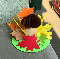ДЕТСКИЕ ПОДЕЛКИ Diy Projects For Kids, Fall Crafts For Kids, Diy For Kids, Kids Crafts, Diy And Crafts, Paper Folding Crafts, Paper Crafts, Diy Paper, School Board Decoration