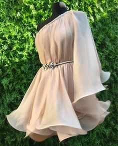 Floral Prom Dresses, Elegant Dresses, Pretty Dresses, Homecoming Dresses, Beautiful Dresses, Formal Dresses, Black Tie Formal Wear, Kpop Outfits, Types Of Dresses