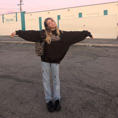 newborn take home outfit Vintage Outfits, Retro Outfits, Cute Casual Outfits, Girl Outfits, Fashion Outfits, Fashion Tips, Roupas Brandy Melville, Mode Cool, Looks Pinterest