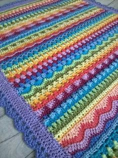 Tooty Stripey Blanket is a beautiful combination of stitches, colors and amazing talent of the author of a crochet pattern. As a result, we have a baby blanket, which we can easily enlarge to the normal size of an adult blanket. Motifs Afghans, Afghan Patterns, Crochet Blanket Patterns, Baby Blanket Crochet, Crochet Stitches, Crochet Baby, Knitting Patterns, Crochet Blankets, Crochet Afghans