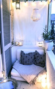 Easy And Cheap Tips: All Natural Home Decor Interior Design natural home decor diy decoration.Natural Home Decor Interior Design natural home decor rustic bathroom sinks.Natural Home Decor Ideas Apartment Therapy. Modern Balcony, Small Balcony Design, Tiny Balcony, Small Balcony Decor, Small Outdoor Spaces, Small Spaces, Balcony Ideas, Small Balconies, Patio Ideas