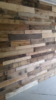 Ideas For Wood Pallet Stage Accent Walls Small Wood Projects, Pallet Projects, Barn Wood, Rustic Wood, Living Room Wood Floor, Dark Wood Kitchens, Basement Remodel Diy, Wood Pallets, Pallet Wood