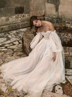 Wedding dress | wedding insipirasi | bridal dresses | haute couture | bride | handmade couture | bridal couture Lesbian, Girly, Feminine, Photoshoot, Bride, Wedding Dresses, Fall, Collection, Instagram