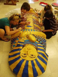 Mummy with students Ancient Egypt Art, Ancient History, Ancient Aliens, Ancient Artifacts, Ancient Greece, History Projects, Art History, European History, American History