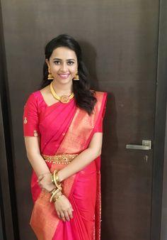 Sri Divya (aka) Sri Diviya photos stills & images Indian Dresses, Indian Outfits, Engagement Saree, Saree Jewellery, Bridal Jewellery, Gold Jewellery, Wedding Sari, Wedding Bride, Indian Bridal Fashion