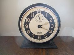 Vintage Ingersoll Daybreak Radiolite wind up alarm by thetinyflea, $20.00