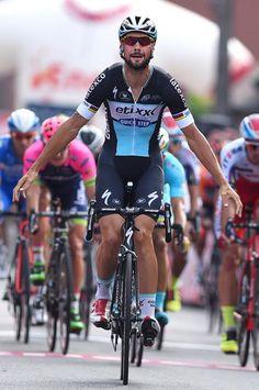 Tom Boonen wins stage 3 of the 2015 Eneco Tour. (Tim de Waele/TDWSport.com)