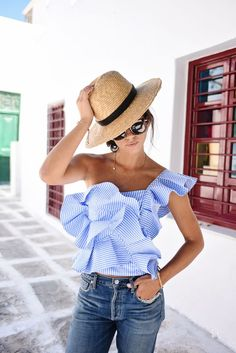 Spring 2017 Street Style Trend Report Spring 2017 Street Style Trends, Americana Style – gingham and seersucker, cold shoulder tops, ruffled tops, cute spring outfit ideas Street Style 2017, Street Style Trends, Casual Outfits, Cute Outfits, Fashion Outfits, Fashion Trends, Beach Outfits, Dress Fashion, Moda Outfits