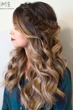 Coiffure De Mariage: Featured Frisur: Haare und Make-up von Steph - Frisuren Cute Simple Hairstyles, Easy Hairstyles For Long Hair, Long Curly Hair, Diy Hairstyles, Wavy Hair, Pretty Hairstyles, Wedding Hairstyles, Picture Day Hairstyles, Popular Hairstyles