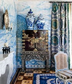 Blue and White Chinoiserie (Chinoiserie Chic)