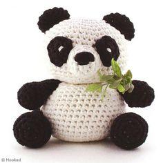DIY Panda Amigurumi au crochet – Fiche technique Crochet et tricot pas à pas, i… DIY Panda Amigurumi Crochet – Technical sheet Crochet and knitting step by step, ideas and tips hobbies – Creavea Crochet Panda, Crochet Diy, Crochet Amigurumi Free Patterns, Crochet Bear, Crochet Animals, Crochet Crafts, Crochet Dolls, Crochet Projects, Diy Panda