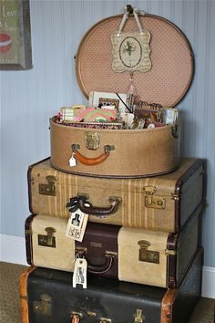 I can't resist Vintage Luggage.  Reminds me of a time when traveling was both mysterious and glamorous !