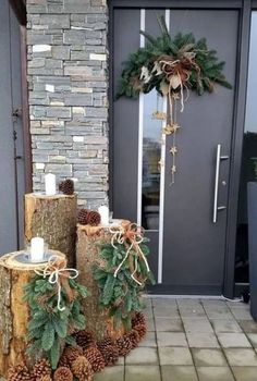 120 beautiful christmas porch decorating ideas - page 3 > Homemytri.Com Front Door Christmas Decorations, Christmas Planters, Christmas Porch, Farmhouse Christmas Decor, Noel Christmas, Rustic Christmas, Simple Christmas, Winter Christmas, Christmas Wreaths