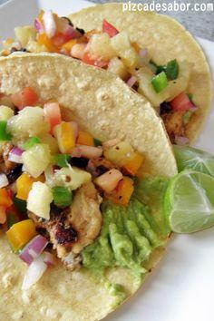 Tacos de pescado con pico de gallo con piña Www.pizcadesabor.com