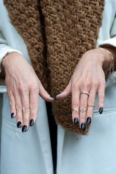 #accessories #acessorios #nails #unhas #esmalte #brinco #colar #anel #earring #necklace #ring #summer #winter #beautiful #ouro #prata