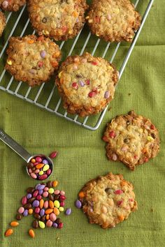 Hummingbird High: Crunchy Oatmeal Cookies with Chocolate Covered Sunflower Seeds