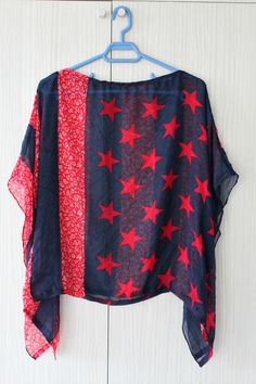Make yourself a flattering, comfortable top with this easy and quick Batwing Top Tutorial! All it takes is a nice scarf and a couple of stitches.