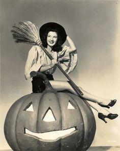 Peggy Ryan 1944