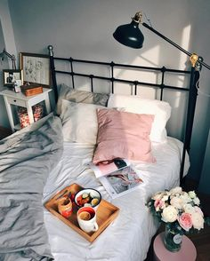 8 Must-Know Bedroom Design Ideas - Sweet Crib Dream Rooms, Dream Bedroom, Living Room Decor, Bedroom Decor, Ideas Hogar, Aesthetic Bedroom, Cozy Room, My New Room, House Rooms