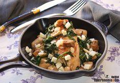 Pechuga de pollo con boletus y espinacas