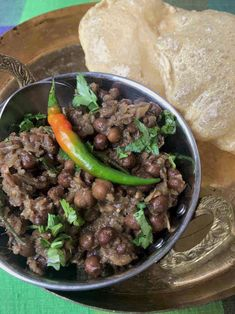 Kala Chana - Authentic recipe from a Punjabi family Indian Chickpea Curry, Chana Recipe, Indian Cookbook, Punjabi Food, Fried Fish Recipes, Indian Street Food, India Food, Fresh Coriander