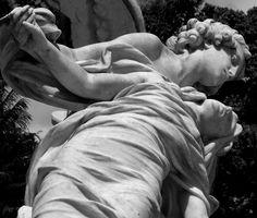 https://flic.kr/p/8MEtYs | Ícones da saudade - 17 | Um passeio pelas imagens que adornam os túmulos do centenário Cemitério de Sta. Izabel, em Belém do Pará.