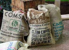 Die bekanntesten Kaffeesorten die Weltweit angebaut werden sind, Robusta und Arabica! http://www.kaffee-trinken24.de/aus-welchem-land-kommt-der-beste-kaffee/