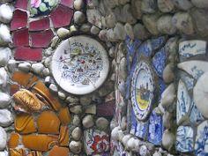The Little Chapel on Guernsey   photo by zenitpetersburg  Flickr via mosaicartsource.com