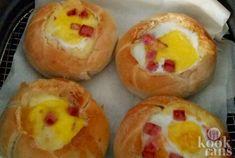Deze met een uitsmijter gevulde kaiserbroodjes zijn lekker ?n voedzaam